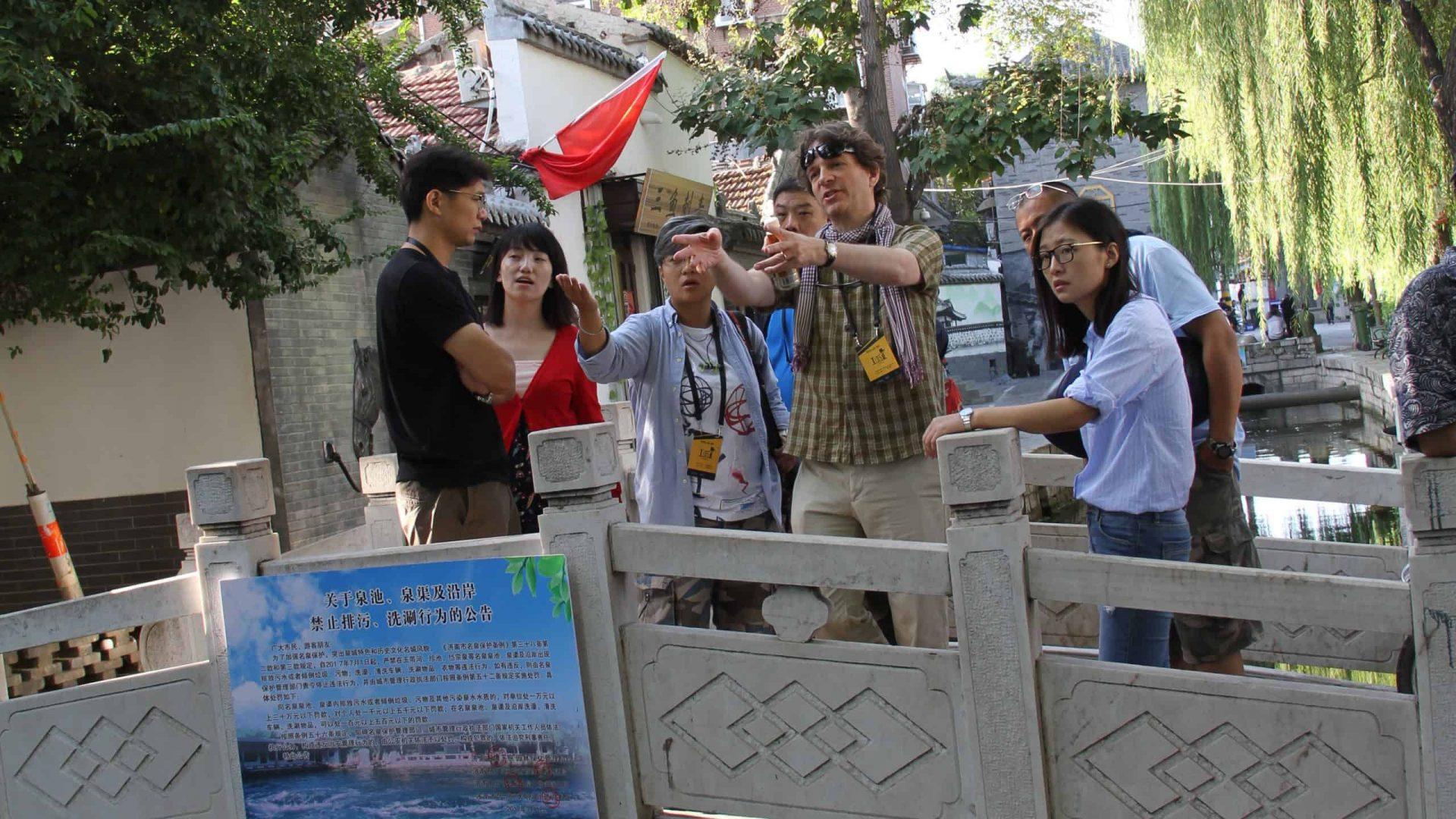 Jonathan Schütz directing in Shandong